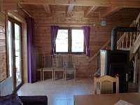Obývací prostory s výhodou krbových kamen