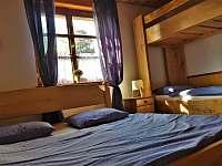 pokoj vpravo 4 lůžkový s patrovou postelí - Domašov
