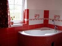 Pohled do koupelny - pronájem chalupy Bělá pod Pradědem