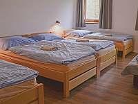 Čtyřlůžkový pokoj s přistýlkou - chata k pronajmutí Vernířovice
