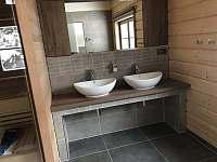 Koupelna s finskou saunou. - Ostružná