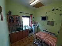 kuchyň - apartmán k pronájmu Domašov