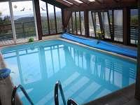 Krytý vyhřívaný bazén