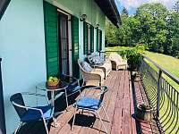 Horska Chata Pekarov_Posezeni Balkon - pronájem