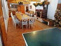 Společenská místnost + stůl na stolní tennis