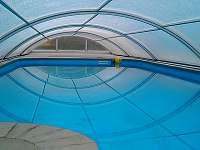 bazén má protiproud, vyhřívání, barevné led světlo, v létě pro děti fontánka - Štědrákova Lhota