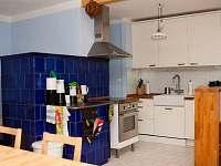 Kuchyň s kachlovými kamny - Horní Lipová