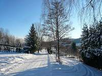 točna nad chatou v zimě