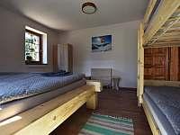 1. ložnice - chalupa k pronájmu Branná