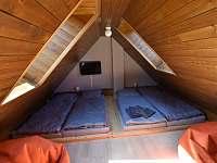 4. ložnice v podkroví - chalupa k pronajmutí Branná