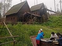 zlatorudné mlýny,Zlaté Hory - Holčovice - Komora