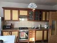 Kuchyň s kuchyňskou linkou