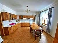 Kuchyně v přízemí - chata k pronájmu Horní Václavov