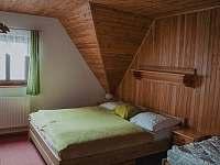 třílůžkový pokoj s přistýlkou - pronájem chalupy Hynčice pod Sušinou