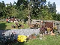 Zadní zahrada - ubytování Roudno - Volárna