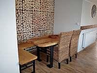sezení 6 osob jídelna - Filipovice