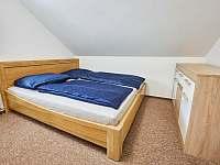 ložnice 1. patro - 2 osoby - chalupa k pronajmutí Vápenná