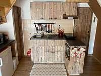 Chatička pod lesem - kuchyně - ubytování Suchá Rudná