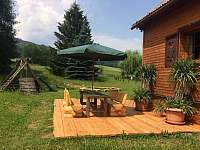zahrada s posezením - pronájem chalupy Supíkovice