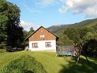 Chalupa Pod kopcem Vernířovice - Čelní pohled od příjezdové cesty