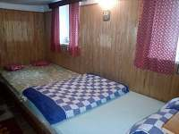 ložnice s dvěma dvoulůžky