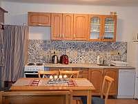kuchyně - chata k pronájmu Štědrákova Lhota