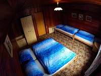 ložnice v 1.NP - chata k pronajmutí Kouty nad Desnou