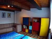 Průchozí pokoj v přízemí - chata ubytování Kouty nad Desnou