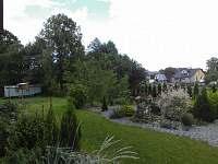 zahrada s máňou - chalupa k pronájmu Stará Červená Voda
