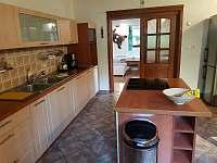 Kuchyň 3 - Holčovice - Komora