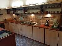 Kuchyň 4 - chalupa k pronajmutí Holčovice - Komora