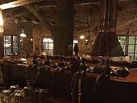 Restaurace U Kazmarky - pohled od baru