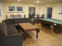 Společenská místnost, U rybníčku, Stará Červená Voda - chata ubytování Stará Červená Voda