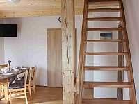 Apartmán č. 2 schody do patra (2 ložničky a WC)