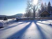 pohled z pozemku chaty-směr Mechové jezírko