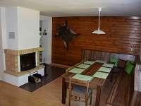 obývací pokoj b - chata k pronajmutí Branná