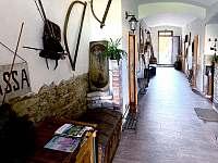 Chodba domu - chata k pronájmu Malá Morava