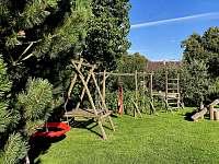 Dětské hřiště zahrada - chata k pronajmutí Malá Morava