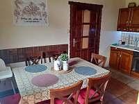 Jídelní stůl - apartmán k pronájmu Ondřejovice
