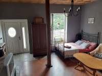 Manželská postel - apartmán k pronajmutí Ondřejovice