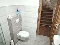 koupelna v přízemí - pronájem chalupy Vernířovice