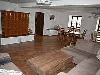 Obývací pokoj - pronájem chalupy Rudná pod Pradědem