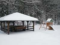 altan v zime - chalupa k pronájmu Dolní Morava