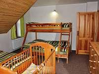 ložnice v patře - chalupa k pronájmu Králíky - Dolní Hedeč