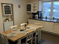 společná kuchyň,plně vybavena - chalupa k pronájmu Lipová Lázně - Bobrovník