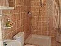 koupelna u čtyřlůžkové ložnice