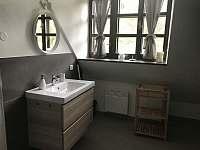Apartmán 2, koupelna - chalupa k pronájmu Kunčice