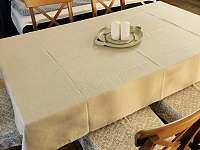 Apartmán 3, jídelní část s možností přistýlky - pronájem chalupy Kunčice