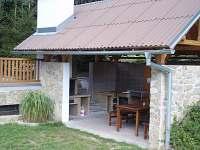 letní kuchyn - pronájem chaty Hynčice pod Sušinou