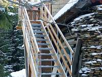 schody do podkrovního apartmánu - chata k pronajmutí Lipová-Lázně